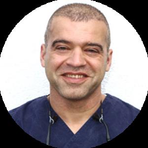 Een portret foto van dr. med. F. Fathi Chirurg